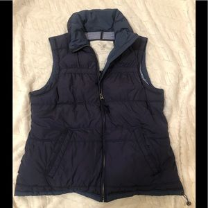 American Eagle navy puffer vest